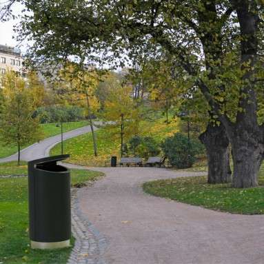 Helsinki City_new litterbins.jpg